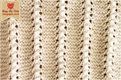 Agulha: 3 Fio: super bebê branco Ponto barra furadinha Nº de pontos múltiplo de 8+5 1ª carr: *5t, 3m* 5t 2ª carr: tricô... Knitting Stiches, Cable Knitting, Knitting Patterns, Love Crochet, Knit Crochet, Hand Art, Couture, Blog, Embroidery