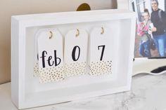 All Things Pink and Pretty: DIY Desk Calendar & Desk Mat