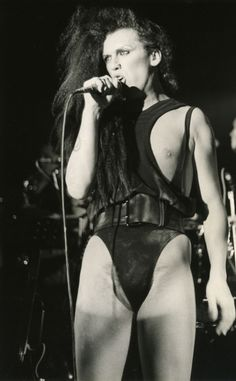 The Dead or Alive singer died of unexpectedly of a heart attack Pete Burns, Lady Stardust, Pop Bands, Bright Stars, Passed Away, Celebrity Look, Freddie Mercury, Being Ugly, Wonder Woman