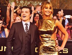 Josh Hutcherson & Jennifer Lawrence