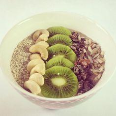Kiwi-Smoothiebowl - vegan, raw -