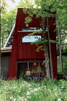 Modern Recycled House - Canadian Home Made From Scrap Materials - Country Living
