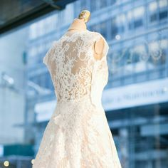 Wear what you love… like beautiful hand-patterned lace. Thoughts? <3 #AtelierPronovias2016 #Isabella