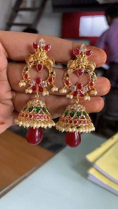 Gold Jhumka Earrings, Gold Earrings Designs, Necklace Designs, Gold Necklace, Ear Cuff Jewelry, Gold Jewelry, Beaded Jewelry, Jewelery, Gold Ornaments