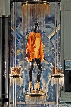 Versace store window Visual Merchandiser, styling and still life designs Window Display Design, Shop Window Displays, Store Displays, Display Windows, Retail Displays, Boutiques, Versace Store, Retail Windows, Shop Windows