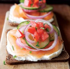 A New York Breakfast,There's something about the combination of silky smoked salmon, soft cream cheese, crunchy onion and juicy tomato that is more than the sum of its parts.