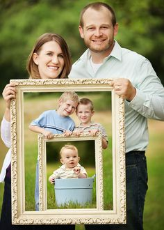 Butterfly Chaser Photography: Cute family photo idea.. But do generations instead