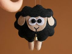 Sheep baby mobile Black and white baby mobile от FeltBabyCorner