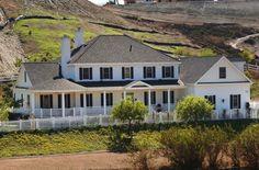 Farmhouse Plan: 3,728 Square Feet, 4 Bedrooms, 4 Bathrooms - 7922-00194