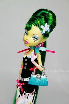 http://www.flickr.com/photos/fancy_girl/6704713577/in/photostream I love the Monster High dolls