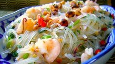 Thai Glass Noodle Salad with Chicken and Prawns (Yam Woon Sen)