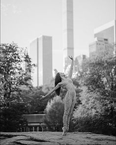 #Ballerina - @misstilerpeck in @centralparknyc #CentralPark #NewYorkCity Outfit by @normakamali #NormaKamali #ballerinaproject_ #ballerinaproject #ballet #dance