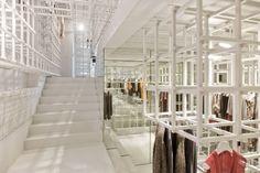 Flagshipstore in pijpenla - Architectuur.nl