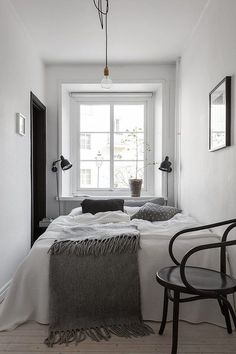 Small Bedroom Design With Minimalist Furniture. By read Small Bedroom Design With Minimalist Furniture will give you more design inspirations to decorate your home such as Popular Minimalist Bedroom Decorating Ideas. Small Master Bedroom, Home Bedroom, Modern Bedroom, Bedroom Decor, Contemporary Bedroom, Small Minimalist Bedroom, Kids Bedroom, Bedroom Storage, Bedroom 2018