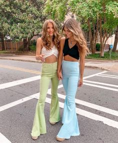 fatmoodz - College-Look 70s Outfits, Hippie Outfits, Cute Casual Outfits, Mode Outfits, Vintage Outfits, Summer Outfits, Fashion Outfits, Stylish Outfits, 70s Inspired Fashion