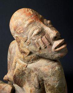 Statuette féminine, 7e -14e siècle, Mali, terre cuite, H: 0.365 m | Paris, Musée du Quai Branly