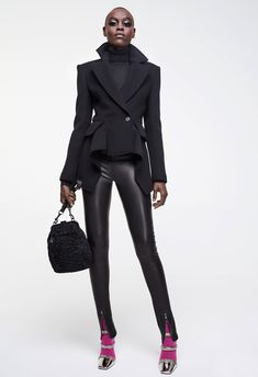 Tom Ford Fall 2017 Ready-to-Wear Fashion Show Collection