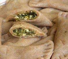 Pełnoziarniste pierogi z szpinakiem i twarogiem Pierogi, Spanakopita, Super, Ethnic Recipes, Food, Meals