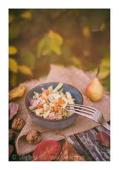 Salage healthy vegan d'automne : poires, noix et chou pointu Coleslaw, Sprouts, Cooking Recipes