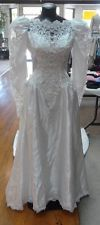 wedding dresses, vintage style, bow, white, long train, long sleeve, laced
