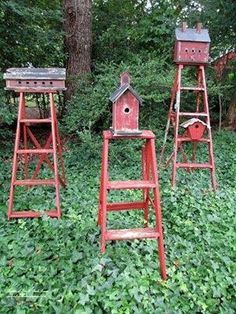 Old wooden ladders decorative in the garden with birdhouses; upcycle, recycle, salvage, diy, repurpose!