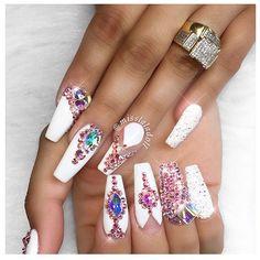 Bling ✨ . . . . . #nails #gelpolish #nailsoftheday #nailsbymisslaladoll #beauty #instanails #nailpro #coffinnails #stilettonails #nailart #naildesign #notd #nailaddict #hudabeauty #beautyblog_bb #manicure #nailsmagazine #nailpro #nailsonfleek #charlottenailtech #nailtechnician #nailartoohlala #nails2inspire #potd #fashion #style #vegas_nay #nailsofinstagram #dressyourface #beverlyhills #make4glam