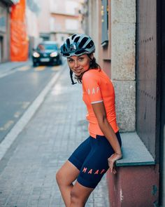 Spring in Barcelona Very early this year Cycling Shorts, Cycling Outfit, Cycling Clothes, Women's Cycling, Cycling Jerseys, Female Cyclist, Bike Wear, Cycling Girls, Cycle Chic