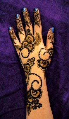 Arabic Mehndi For Floral Patterns
