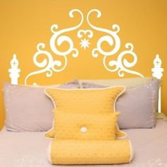love this painted headboard