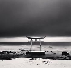 Torii Gate, Shosanbetsu, Hokkaido, Japan, 2004 (c) Michael Kenna