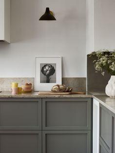 Paris Kitchen, Boho Kitchen, Kitchen Redo, New Kitchen, Kitchen Dining, Modern Kitchen Design, Interior Design Kitchen, Interior Decorating, Scandinavian Kitchen