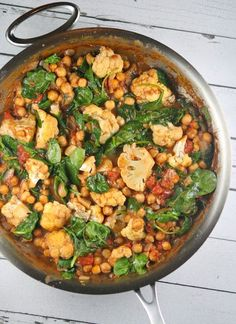 ONE- POT COCONUT CHICKPEA CURRY!