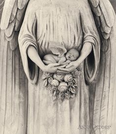 Jonti as an angel: Anne Geddes