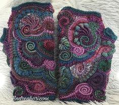 Ravelry: Andreahorizons' Rosies warmers