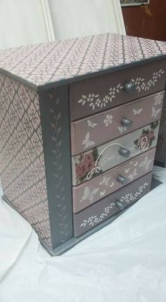 Funky Painted Furniture, Decoupage Furniture, Chalk Paint Furniture, Decoupage D.