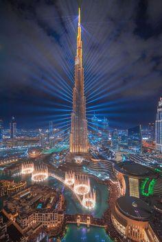 Dubai The city of lights. - Dubai The city of lights. Dubai Vacation, Dubai Travel, Dream Vacations, Luxury Travel, City Aesthetic, Travel Aesthetic, Beach Aesthetic, Dubai Buildings, Dubai Houses