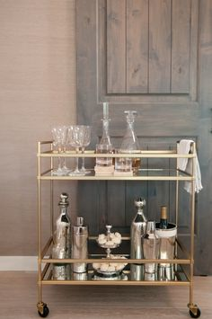 Bar Cart Ideas - There are some cool bar cart ideas which can be used to create a bar cart that suits your space. Having a bar cart offers lots of benefits. This bar cart can be used to turn your empty living room corner into the life of the party. Bar Cart Decor, Bar Cart Styling, Mini Bars, Home Interior, Interior Decorating, Interior Design, Decorating Ideas, Decor Ideas, Bar Trolley