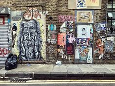We passed some nice pieces of street art in London Fashion Street. Its in one of the oldest areas of London with a special atmosphere! Street Art, Street Style, London Art, Travel Abroad, Backpacker, London Fashion, Travel Pictures, Travelling, Travel Photography