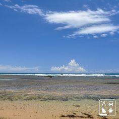 Mar azul-claro, areia dourada e uma fileira de coqueiros a perder de vista, isso é o que você vai encontrar e se deliciar em Taipu de Fora na Bahia! Vem curtir o Brasil junto com a Clube Turismo! Nós garantimos o melhor preço. ;) #CurtaOBrasil #AmoViajar #Viagens #ClubeTurismo