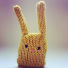 Bunny nugget: a fun and easy knitting project, just in time for Easter! via http://lcknits.blogspot.com