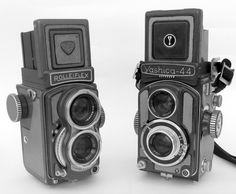 Un tempo usava così. Venivano chiamate confidenzialmentebaby le macchine fotografiche di formato minore rispetto ai classiconi già affermati. E così c'era la Graflex baby (2×3 pollici)…