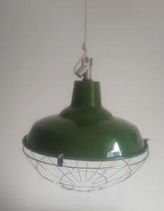 lampara galponera de diametro 35 con reja de alambre