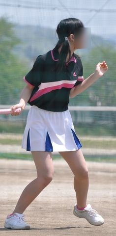 Cute Girl Poses, Cute Girls, Cute Japanese Girl, Sport Girl, Cheer Skirts, Athlete, Sporty, Lady, Womens Fashion