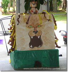 If you are on a budget, yet you still want to go all out for your child, then this Safari party is THE party for you! Discover the coolest DIY ideas here. Safari Party Decorations, Safari Theme Party, Jungle Party, Party Activities, Party Games, Baby Fair, Safari Cakes, Bag Toss, Trunk Or Treat