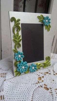 Paper Quilling Cards, Paper Quilling Flowers, Paper Quilling Patterns, Paper Quilling Jewelry, Quilling Work, Neli Quilling, Quilling Craft, Quilling Photo Frames, Quilling Flowers Tutorial