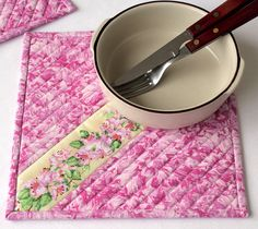 Pink Floral Trivet  Quilted Trivet  Insulated by RedNeedleQuilts