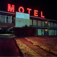 Poppy-de-Villeneuve Motel