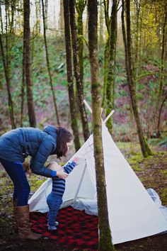 Great for mommy and me picnics!  #kidsteepee #tipi #kidstipi #teepee #playtent #tent #kidstent #childrenteepee #childrentent #play #kids #children #outdoorplay #handmade #woods #outdoors #playoutside #picnic
