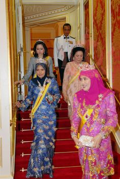 Top to Bottom. Ms.Azrinaz Mazhar Hakim *former wife of HM Sultan Hassanal Bolkiah of Brunei*, HM Queen Bainun of Perak, HM Queen Zahirah of Terrenganu and HM Queen Saleha of Brunei