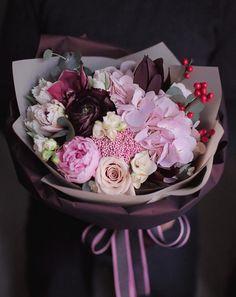 Faux Flowers, Fresh Flowers, Pretty Flowers, Pink Flowers, Ikebana, Flower Arrangements Simple, Beautiful Flowers Wallpapers, Flower Boutique, Flower Bouquet Wedding